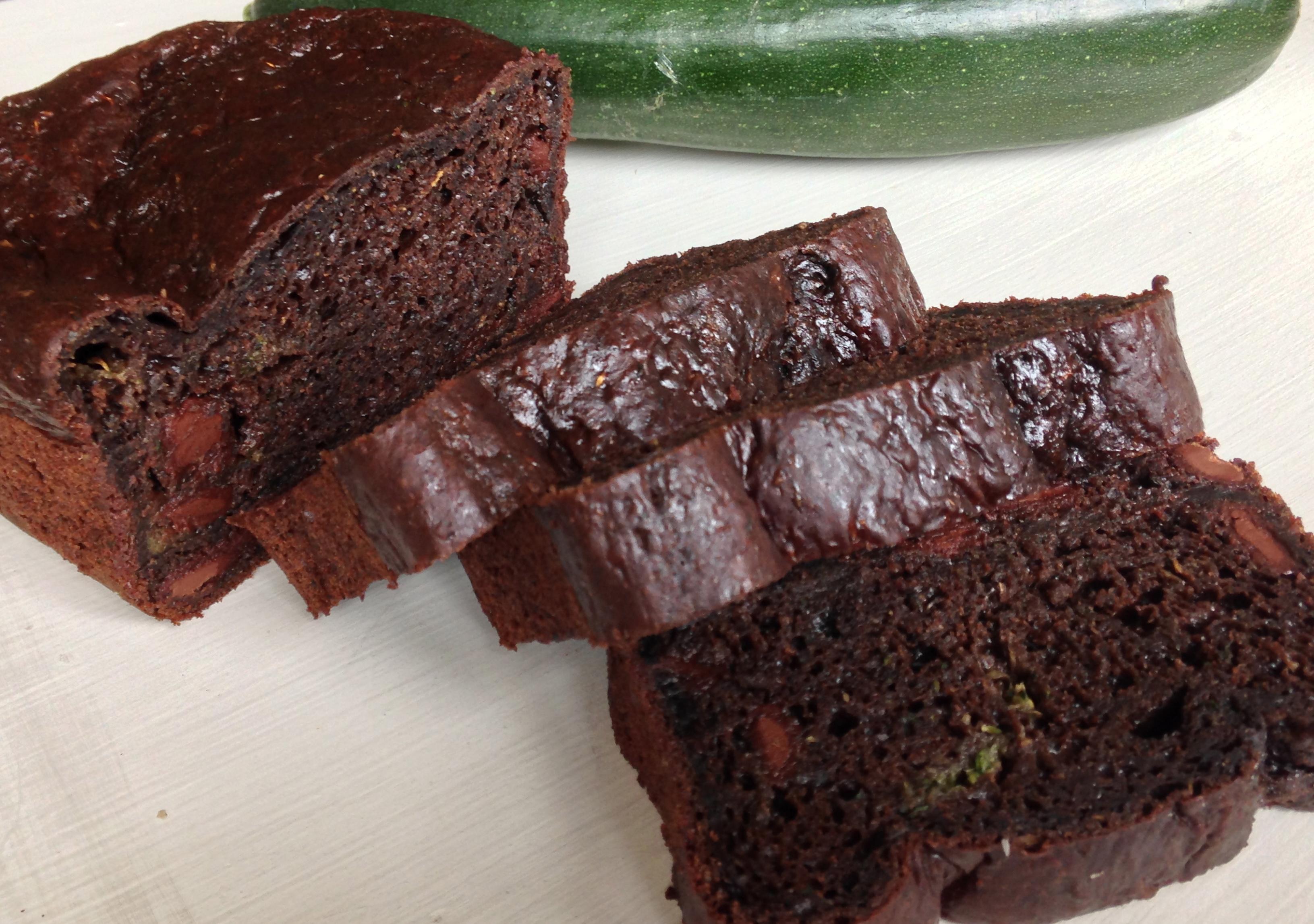 Chocolate Zucchini Bread | chezcateylou.com