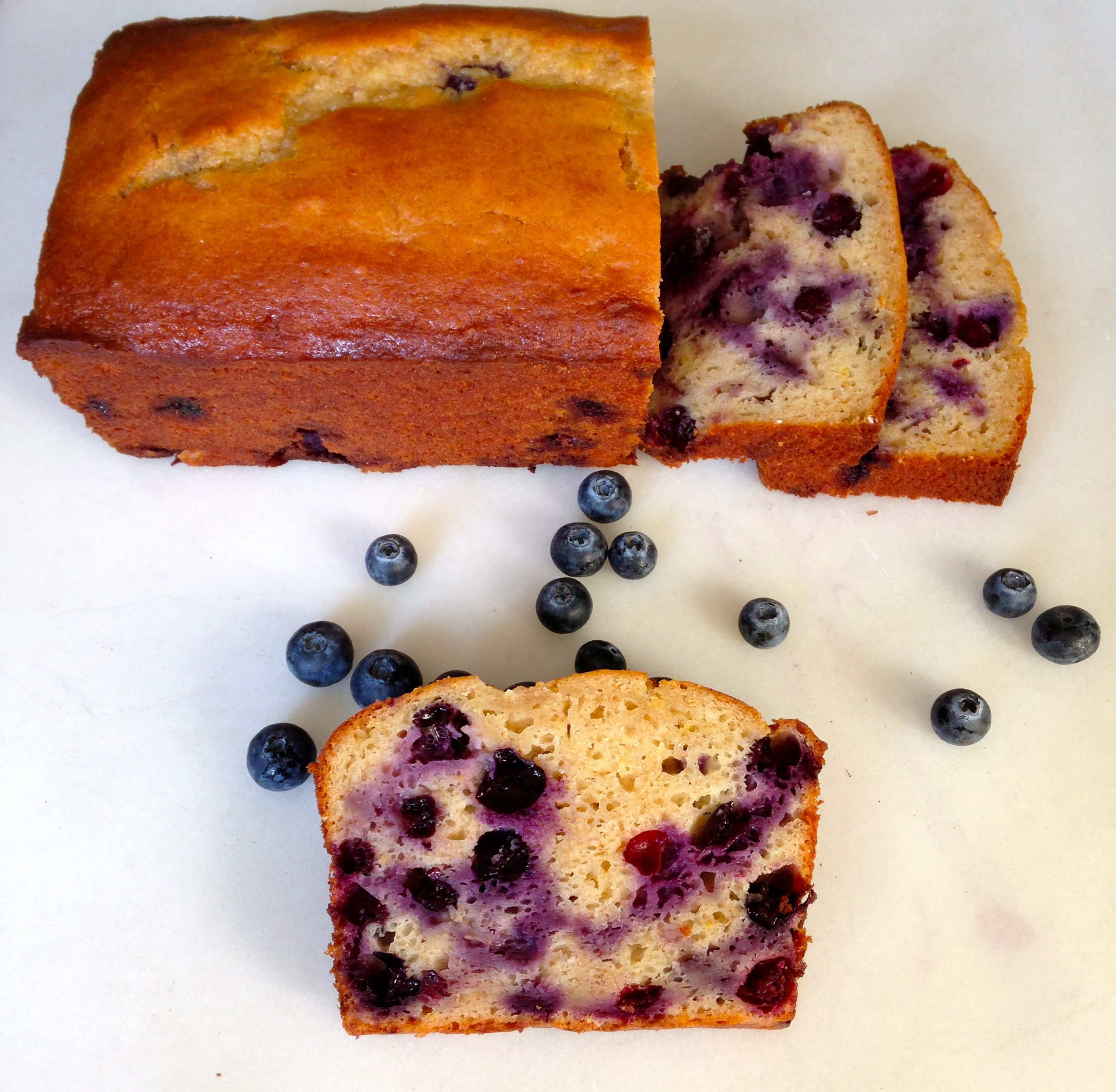 Blueberry Lemon Yogurt Loaf | chezcateylou.com