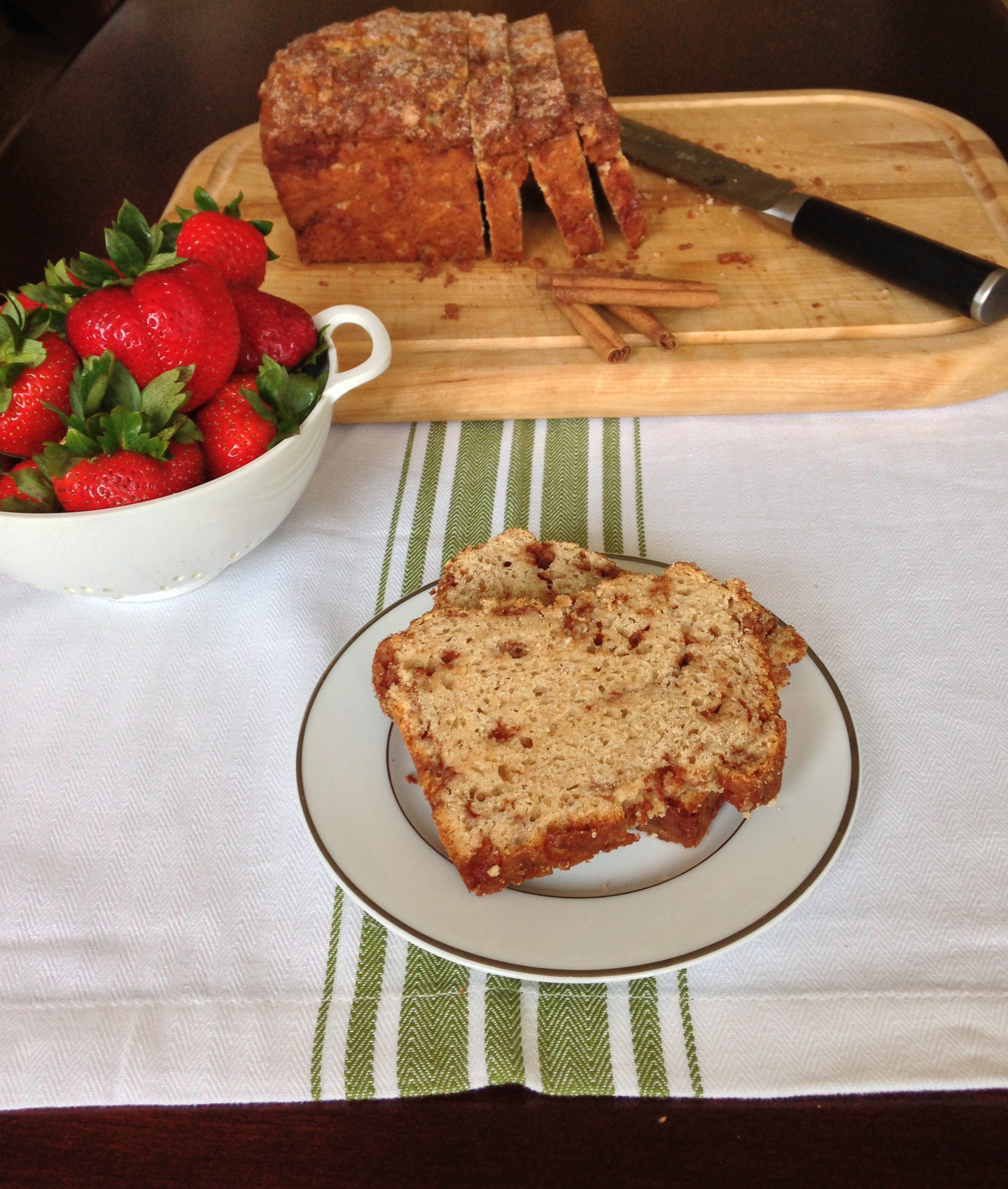 Easy Cinnamon Bread - a yeast bread that requires no kneading!   ChezCateyLou.com