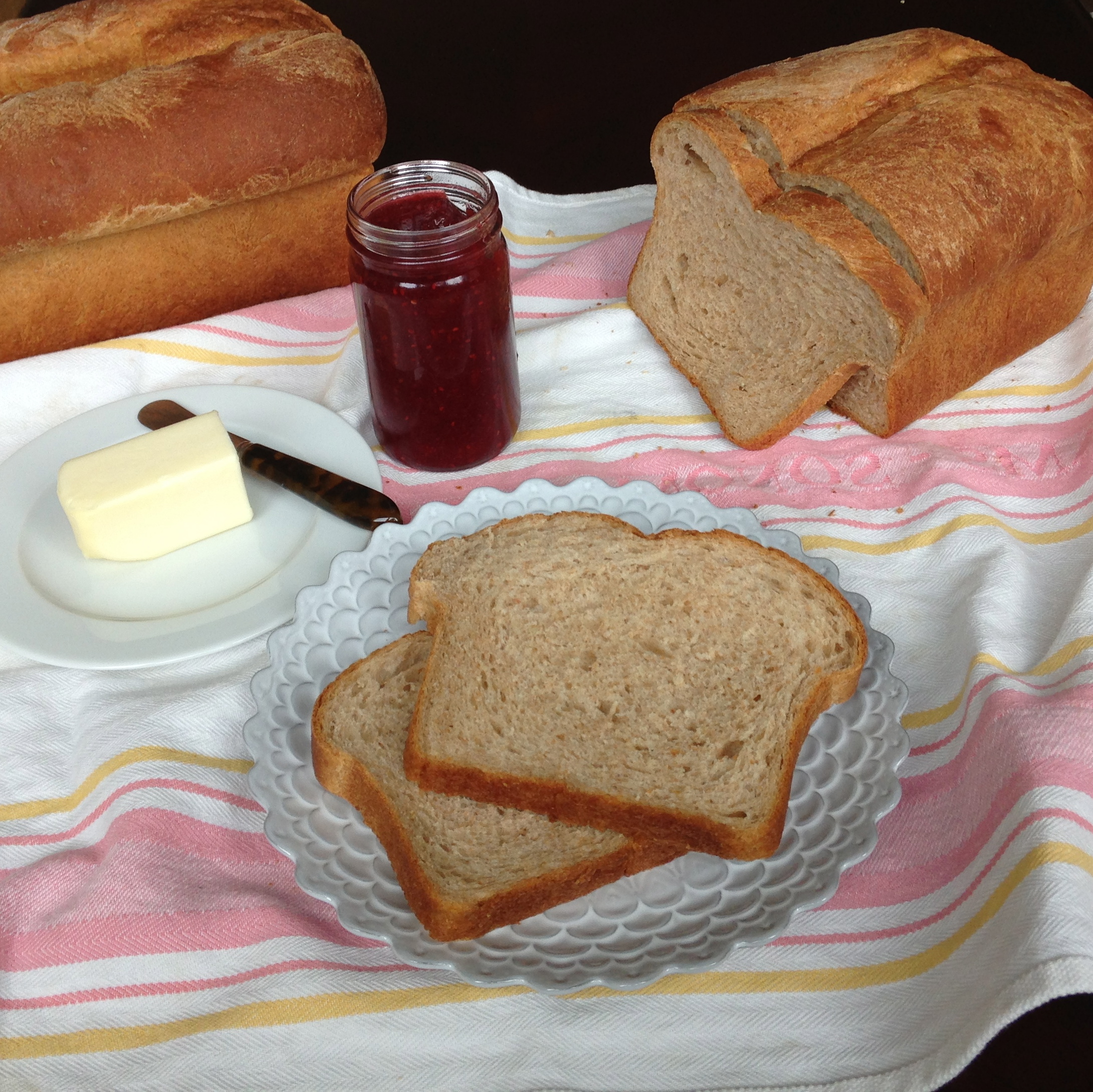 Whole Wheat Sandwich Bread | http://ChezCateyLou.com