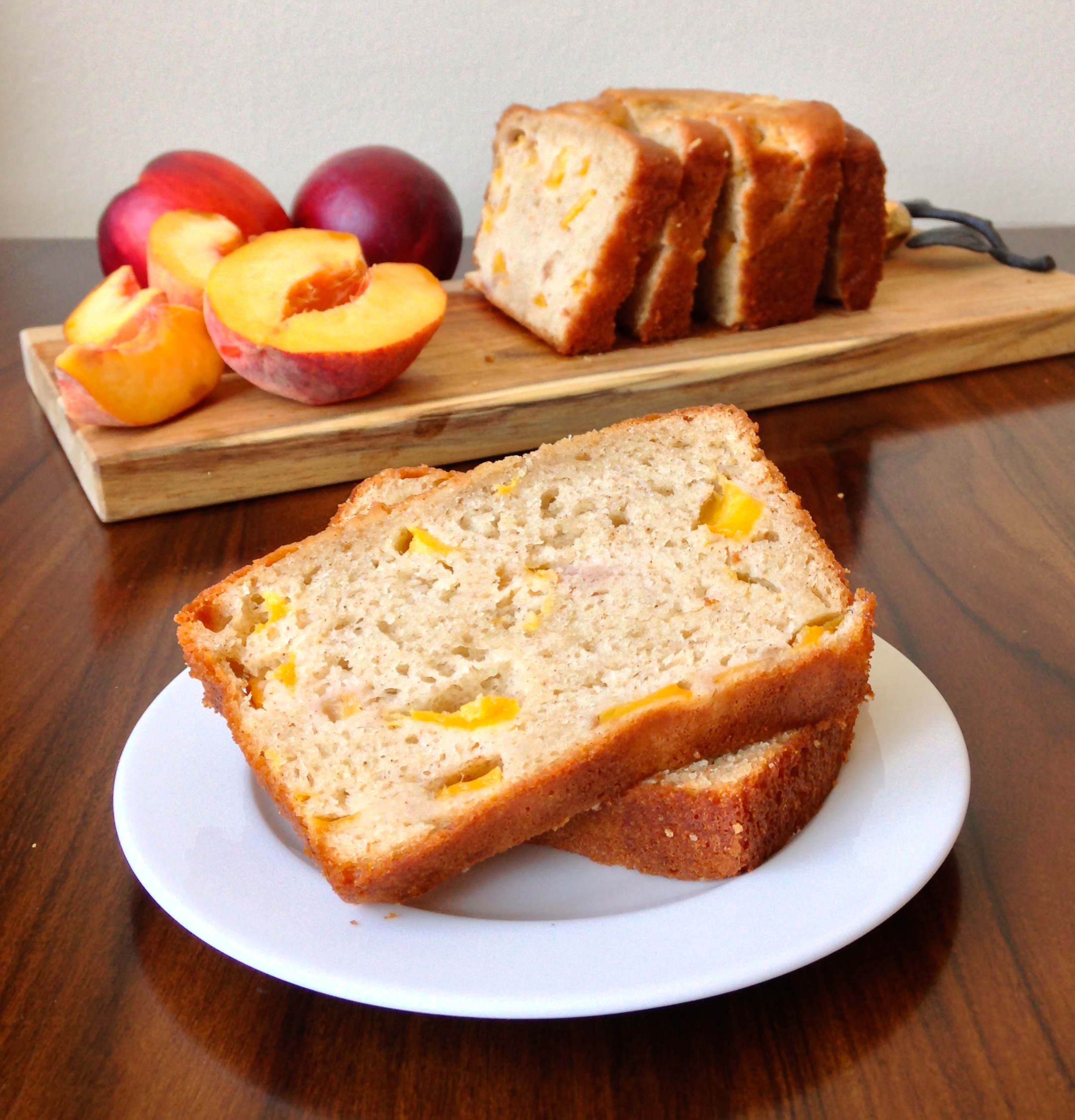 Peach Yogurt Bread with Cinnamon | chezcateylou.com
