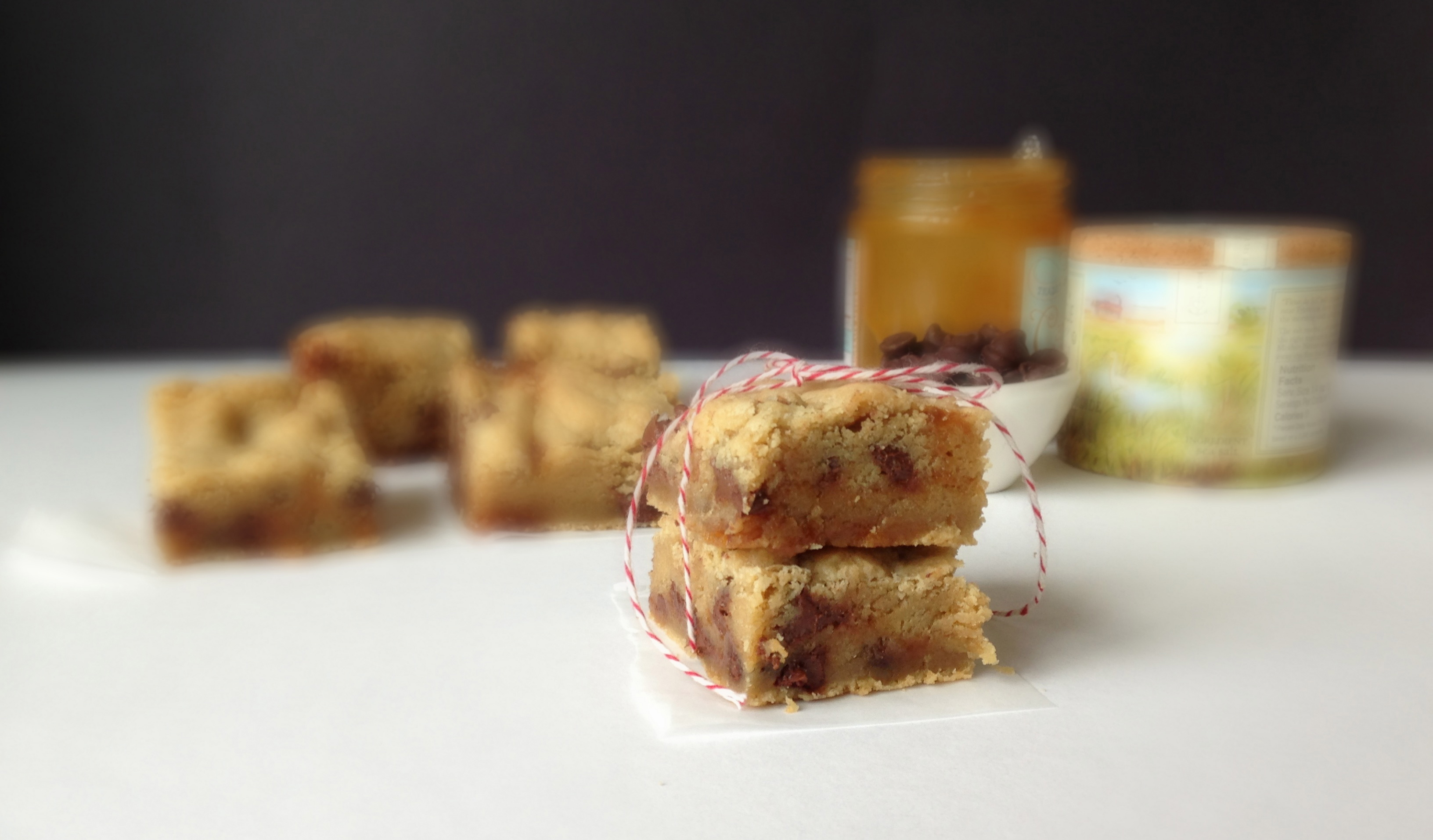 Salted Caramel Chocolate Chip Cookie Bars - Chez CateyLou