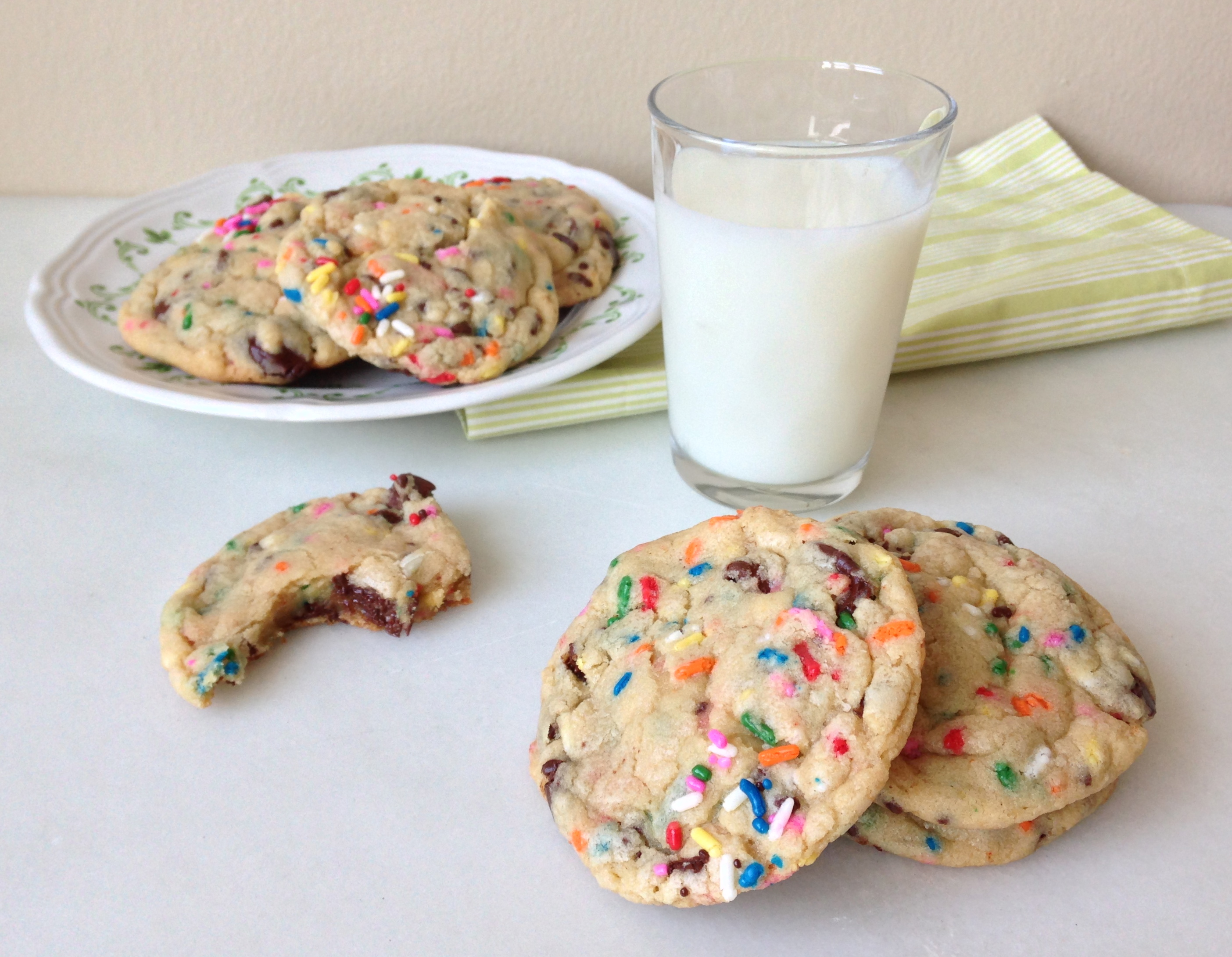 Cake Batter Chocolate Chip Cookies | ChezCateyLou.com