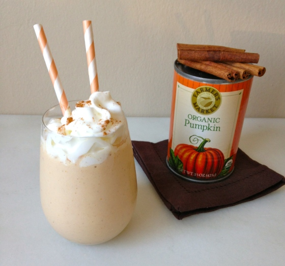Pumpkin Pie Smoothie   chezcateylou.com