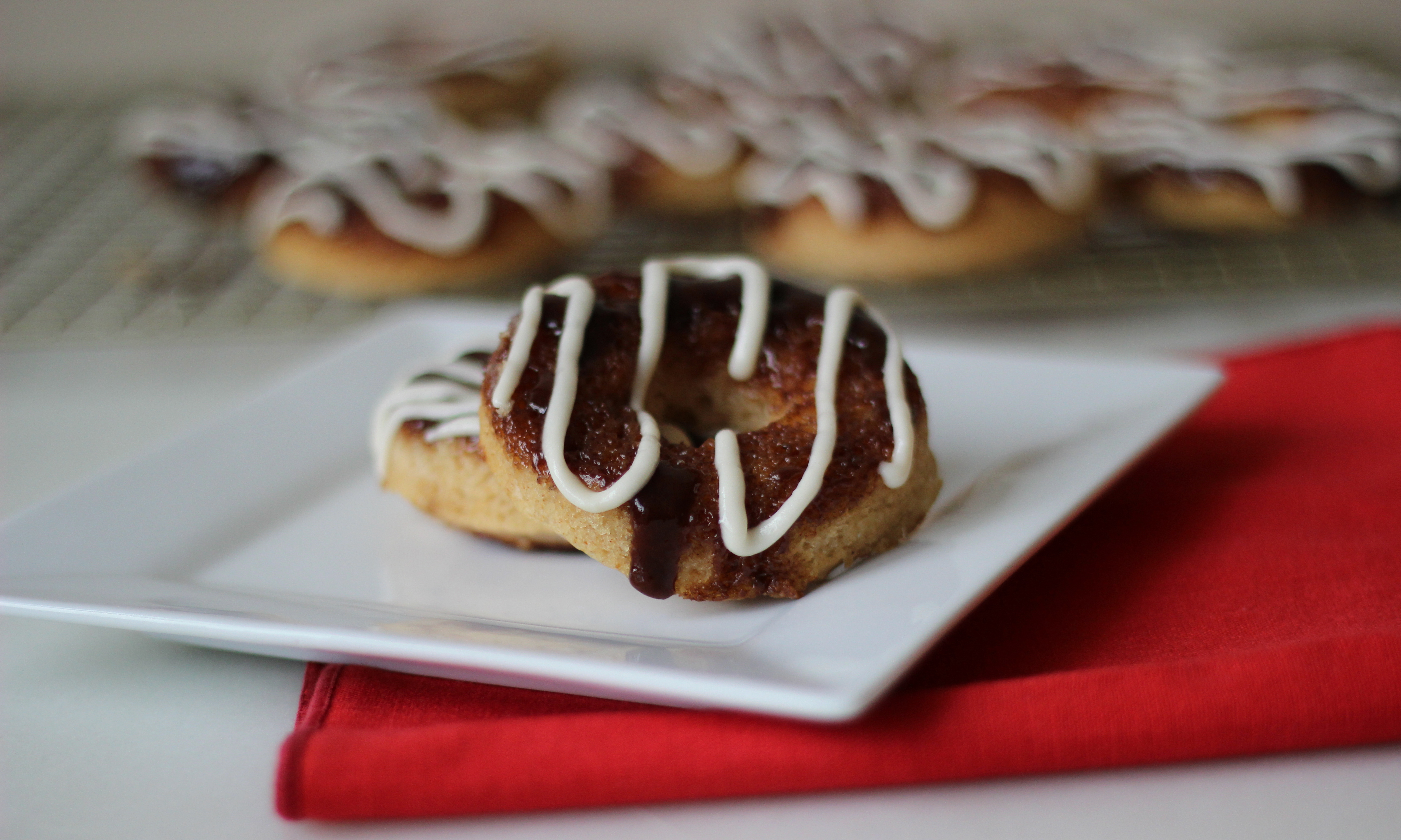 Baked Cinnamon Roll Donuts with Cream Cheese Icing | ChezCateyLou.com
