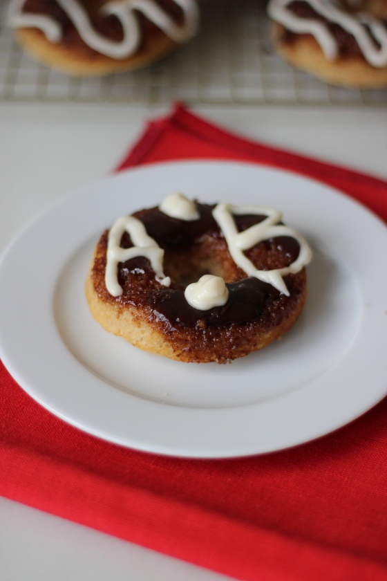 Cinnamon Roll Donuts | ChezCateyLou.com