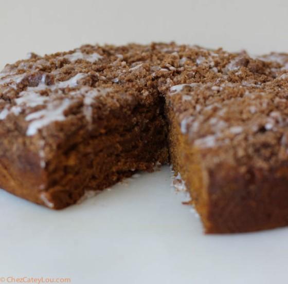 Pumpkin Crumb Coffee Cake | chezcateylou.com