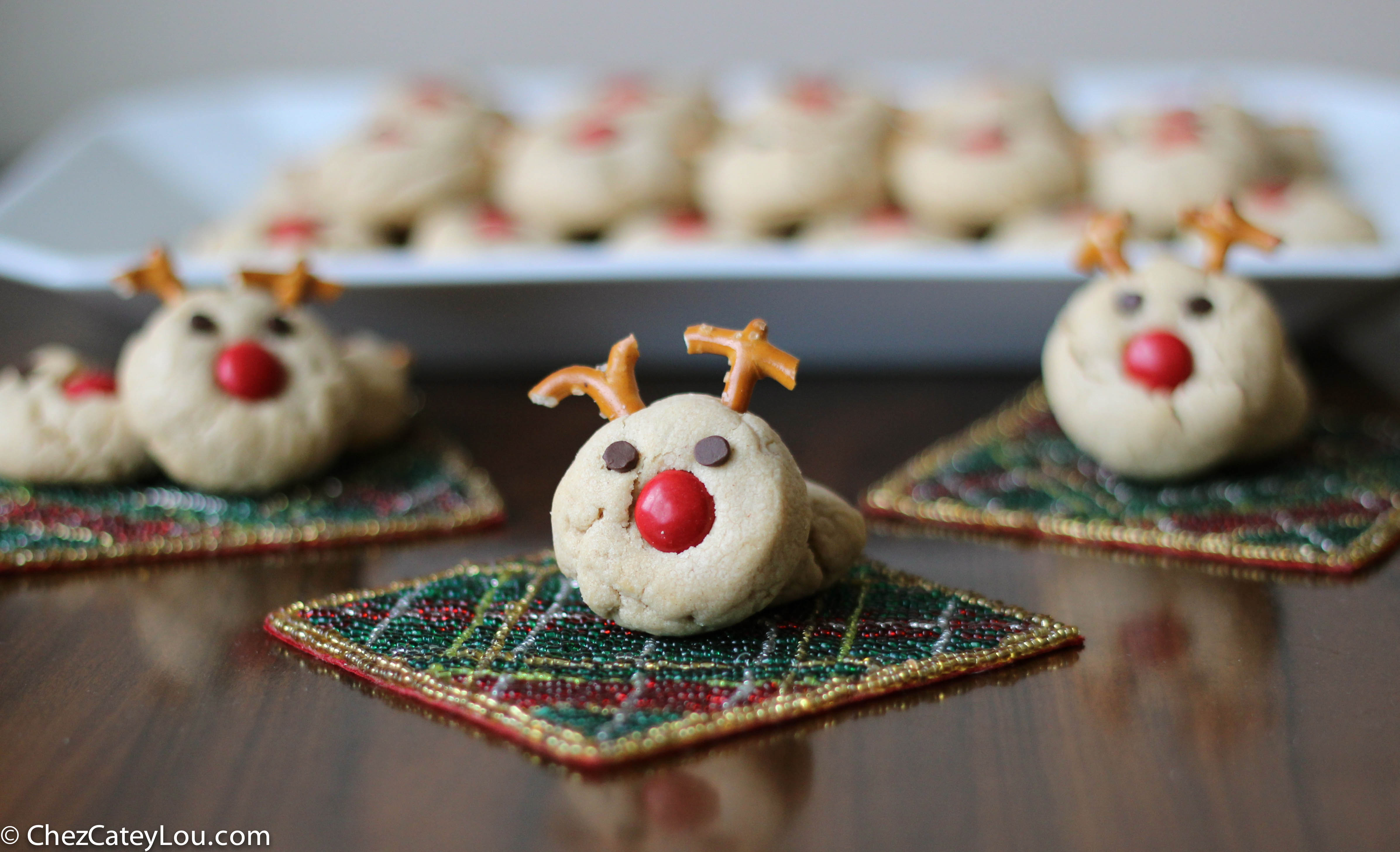 Peanut Butter Reindeer Cookies, the cutest Christmas Cookies ever! | ChezCateyLou.com