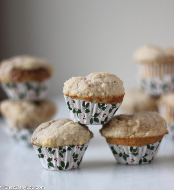 Cinnamon Cookie Butter Mini Muffins | chezcateylou.com